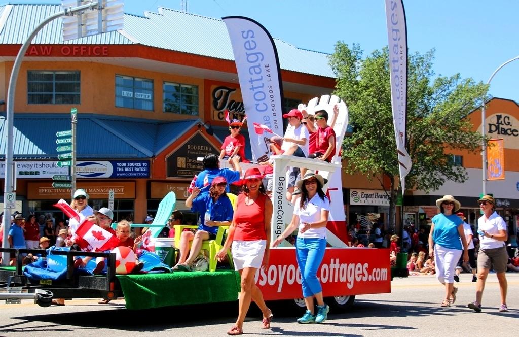 15 Osoyoos Cottages Float C-Day Parade Photo Credit Neil Bousquet
